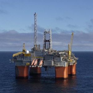 Snorre B Project (2000) - Semi-Submersible Hub for Statoil
